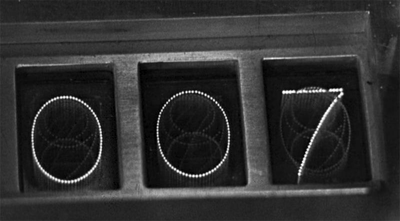 Entschärfte Zeitbombe. Filmstill aus Goldfinger (Hamilton 1964).
