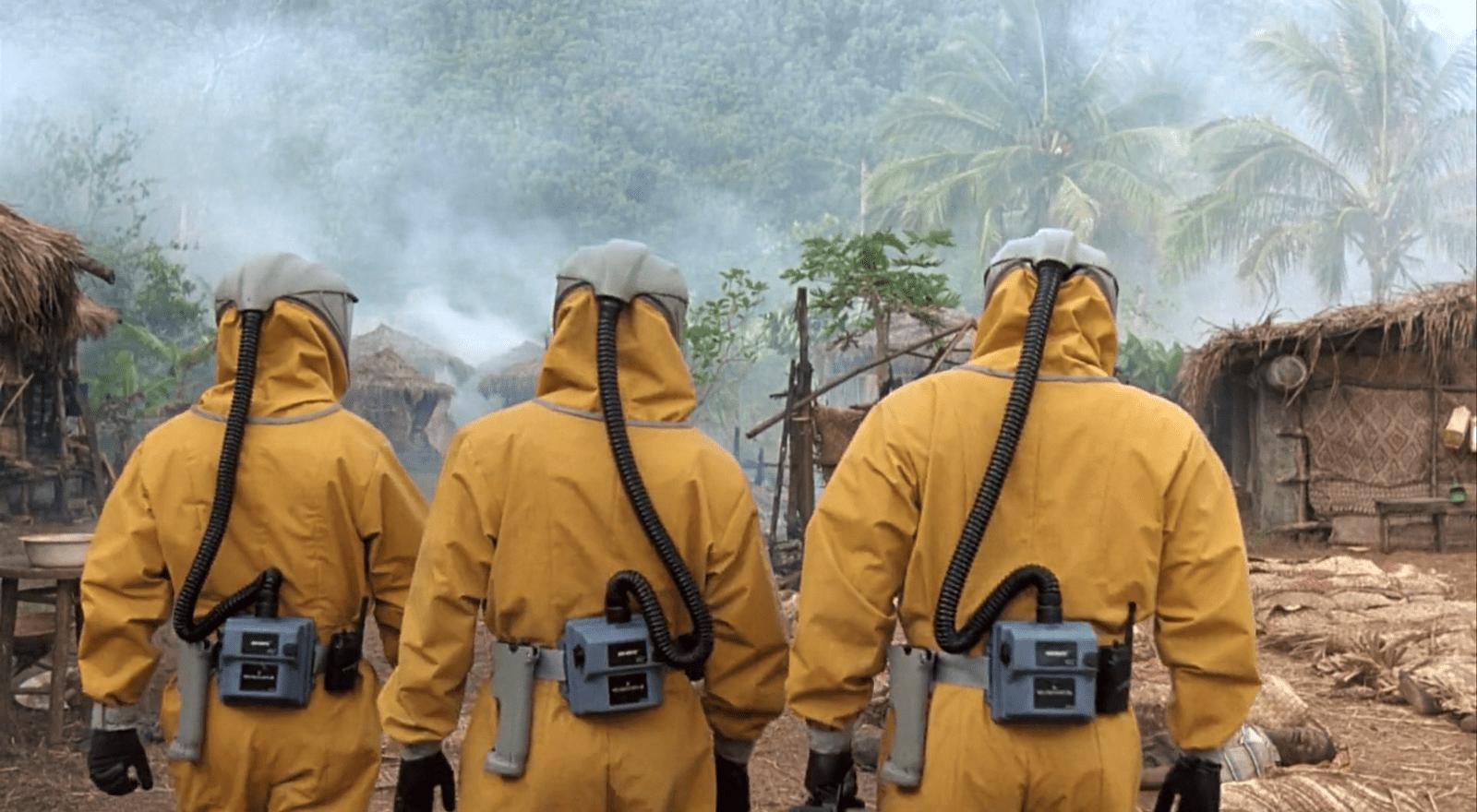 In Zaire tötet eine Ebola-Variante alle Bewohner*innen eines Dorfes. Filmstill aus Outbreak (Petersen 1995).