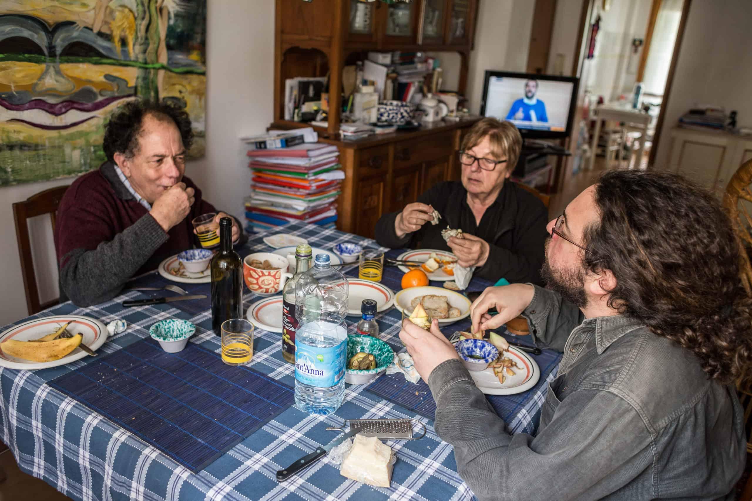 Abendessen bei Tizians Familie (© Giacomo Sini)