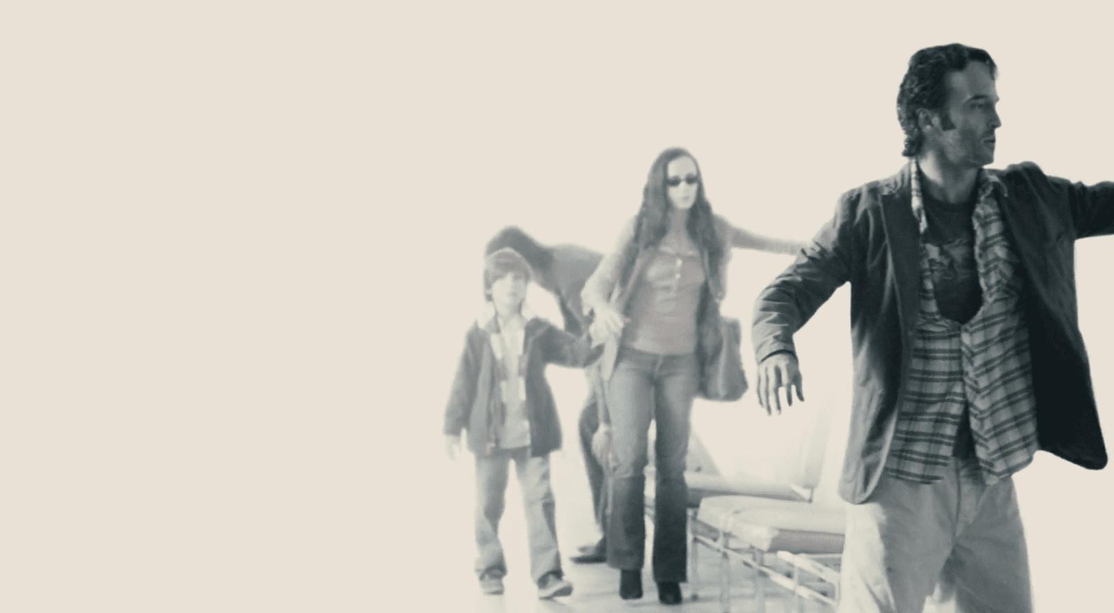 Die Blinden steckt man in ein Lager. Filmstill aus Blindness (Meirelles 2008).