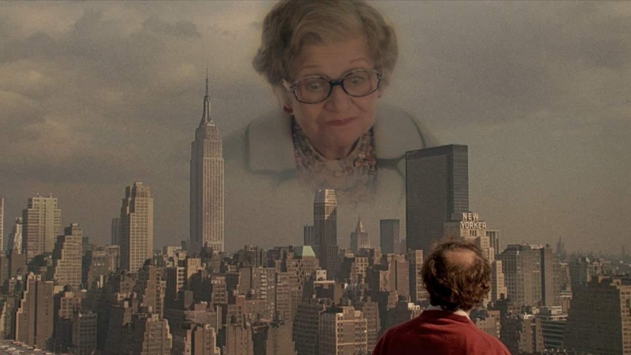 Mrs. Mills erscheint an New Yorks Himmel. Aus: Oedipus Wrecks - New York Stories (Allen 1989)